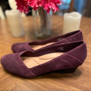 9.5 Earth Brand Spiceberry leather wedges-burgundy